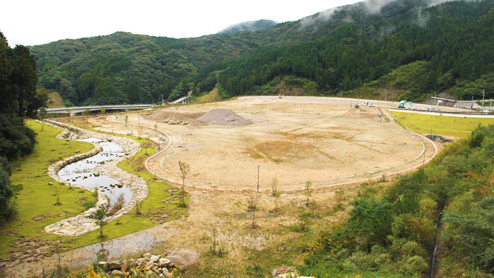 完成間近、那珂川の新名所「五ケ山ダム」
