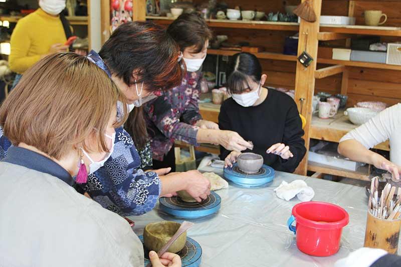 モニターツアーで陶芸体験